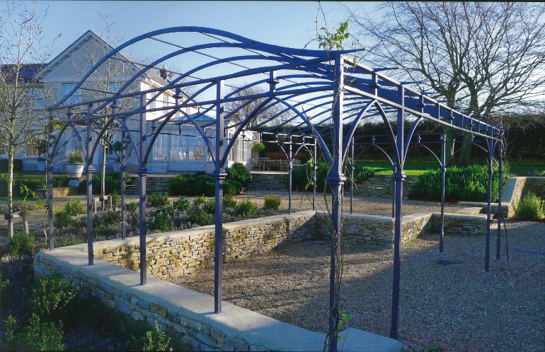 Artistic and Traditional Blacksmithngpergola oxfordshire